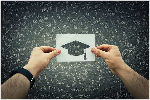 08 Factors To Consider When Choosing College for Economics Degree